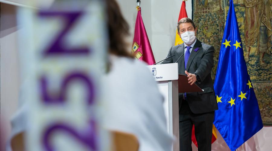 García-Page alaba el trabajo en la lucha contra la violencia machista